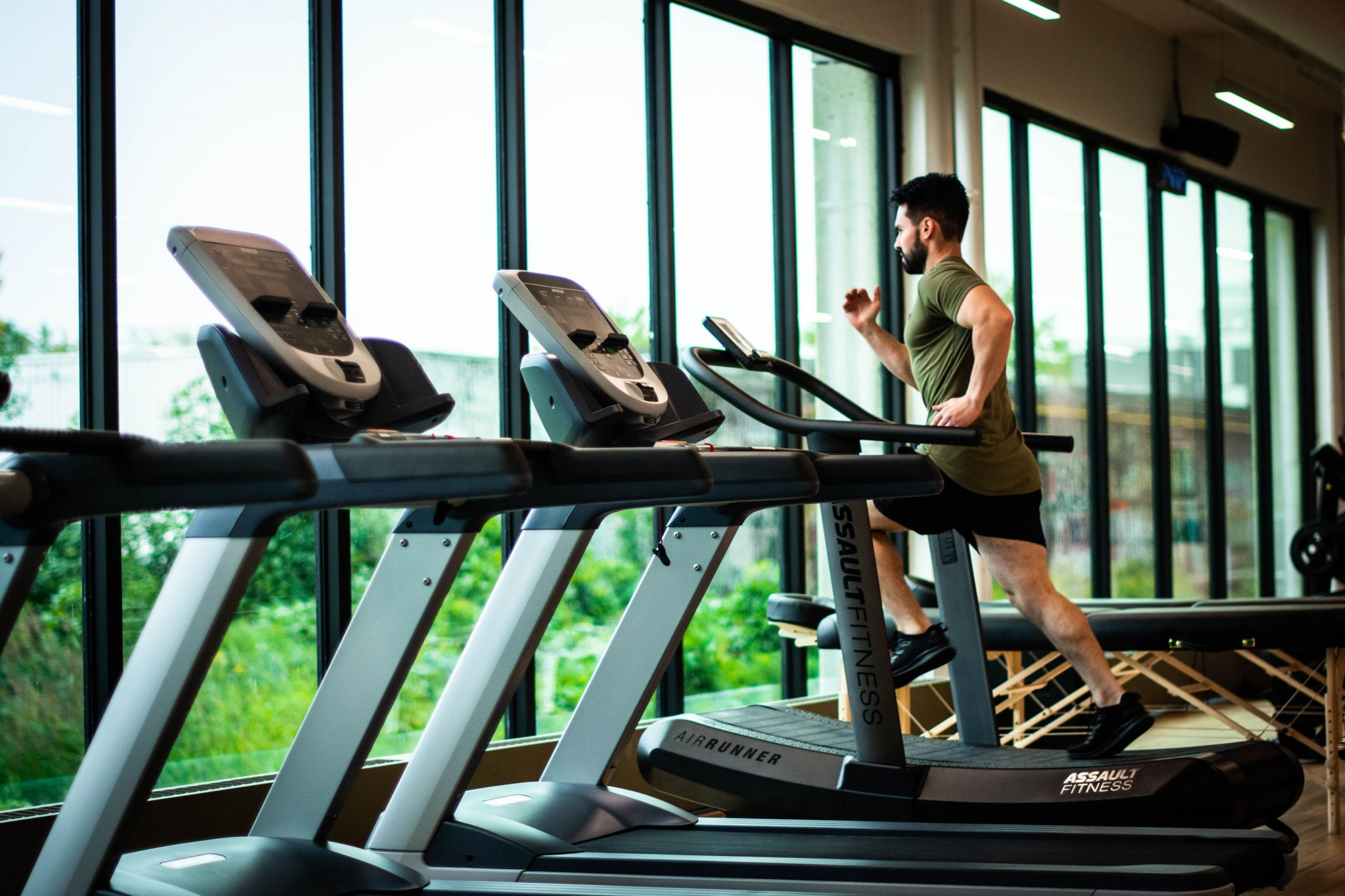 How Much to Buy into a Gym Franchise to Earn Good Profit
