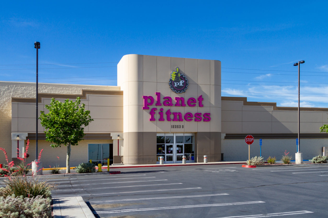 planet fitness gym parking lot